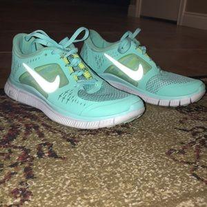 Women Nike Free Runs size 7